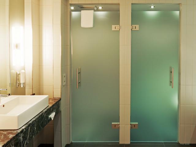 Badezimmerverglasungen